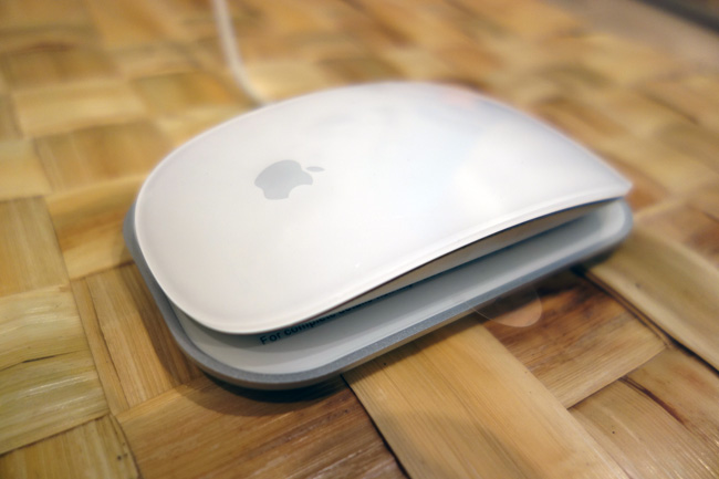 讓 Magic Mouse 真正完整的 The Magic Charger by Intersect