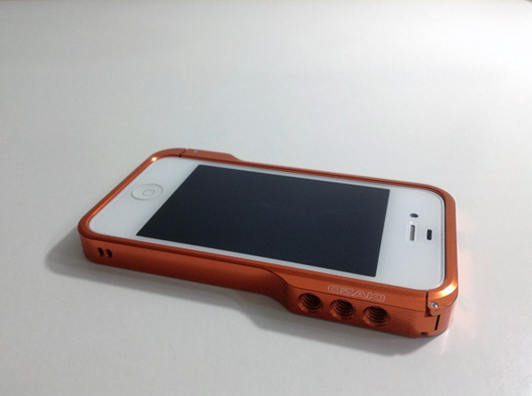 讓 iPhone 瞬間變相機之 OZAKI O!photo Bumper+ by AKS